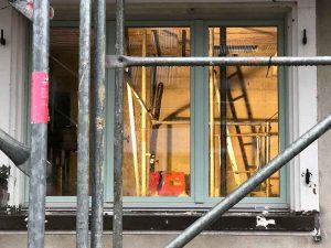 Blick durch das Stubenfenster