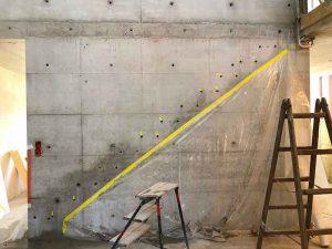 Vorbereitungen für die Montage der neuen Holztreppe