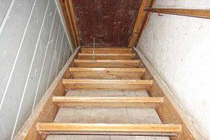Treppe in den Dachstock Juli 2016